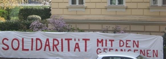 Protestaktion vor dem franz. Konsulat in Salzburg